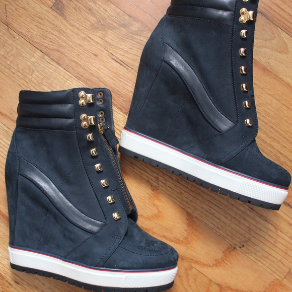 6ca7a46389e14 Tommy Hilfiger Collection Navy Suede Wedge Boots. M 5a98820b72ea881cf8ba20a6